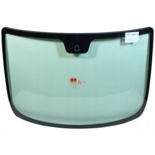 Лобовое стекло Fiat Grande Punto/Linea (Хетчбек) на Fiat Grande Punto (Хетчбек)
