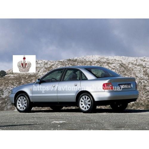 Левое боковое стекло Audi A4  (100) на Audi A4 (Седан, Комби)