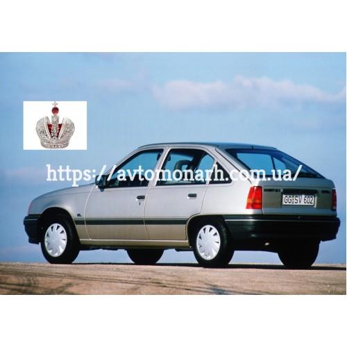 Молдинг для Opel Kadett E/Karavan/Combo A  (4437) на Opel Kadett E/Combo A (Седан, Комби, Хетчбек)